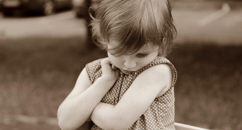 Tuo figlio è timido? Tre indicazioni da mettere subito in pratica