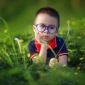 Tuo figlio è introverso? Tre cose che devi assolutamente sapere